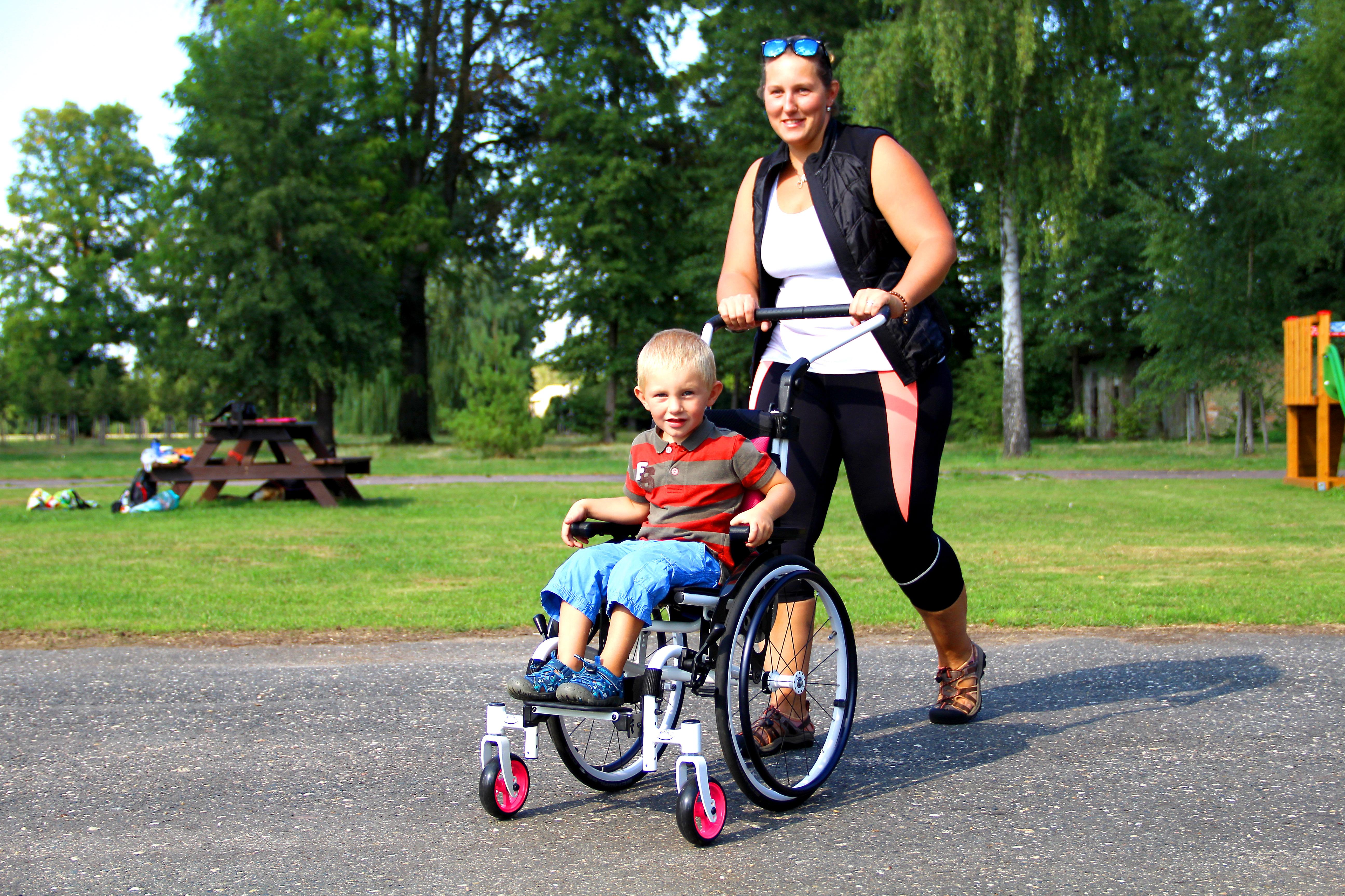 rolstoel kind